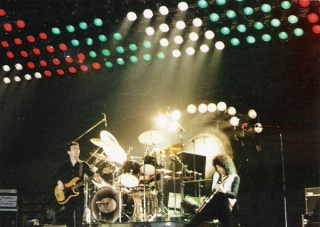 File:Queen Hannover 1979.jpg